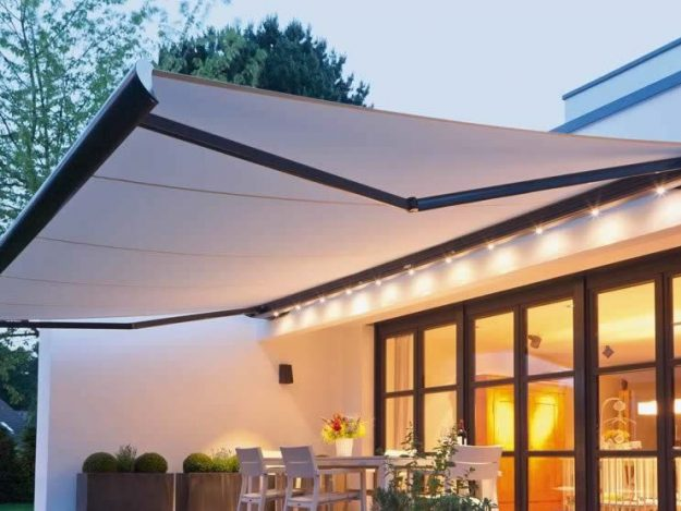 Transformer sa terrasse en espace de vie avec un store ...
